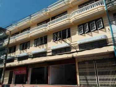 ให้เช่าตึกแถว อาคารพาณิชย์ 2 คูหา ซอยเอกชัย 76 เขตบางบอน กรุงเทพ เหมาะสำหรับทำกิจการ ทำสำนักงาน